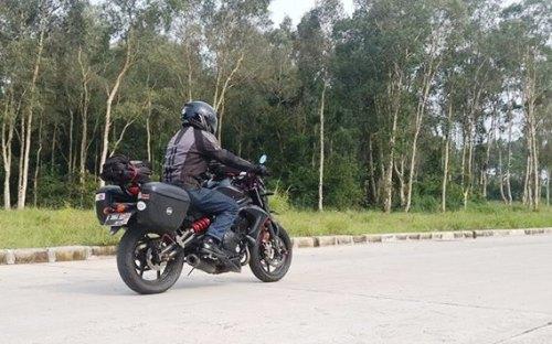 Kawasaki ER6N 04